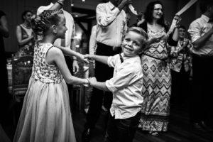 Kinder auf der Feier